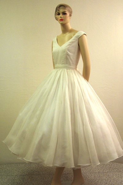 ls_bridal_gown_0813.jpg